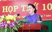 國會主席阮氏金銀在會議上致開幕詞。(圖源:越通社)