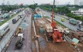 阮文靈街與阮友壽街交通樞紐施工中。