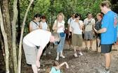 遊客在古芝縣參加實踐體驗。
