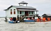 印度東北部阿薩姆邦和鄰國尼泊爾已有近400萬人因洪災而流離失所,死亡人數已上升至189人,數十人失蹤。(圖源:互聯網)