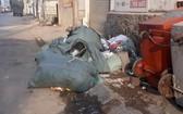 蔡氏雁街的垃圾黑點被處置前後情況。