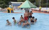 游泳可助兒童有防衛技能和鍛煉身體。