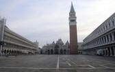 威尼斯聖馬可廣場疫情期間幾乎呈現淨空狀態。(圖源:Getty Images)