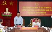 黨中央政治局委員、政府副總理、外交部長范平明(中)在會上發表講話。(圖源:海鐘)