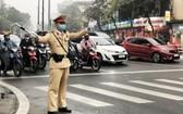 政府總理阮春福昨(9)日頒行第1053號電文,要求在新冠肺炎疫情複雜多變的情況下,確保交通秩序安全。(示意圖源:VOV)