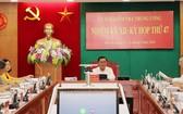 中央檢查委員會主任陳錦秀(中)主持會議。(圖源:文堅)