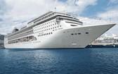"""當地時間8月16日,地中海郵輪公司(MSC Cruises)旗下的""""鴻圖""""號(MSC Grandiosa)郵輪從意大利西北部港口城市熱那亞啟航。(圖源:互聯網)"""