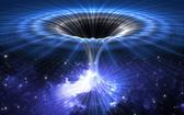 在電腦模型中,研究人員分析了5倍太陽品質的黑洞與200倍太陽品質的蟲洞之間的交互作用,蟲洞入口直徑是黑洞直徑60倍,黑洞可穩定穿越蟲洞。最終模擬結果表明,在黑洞進入和離開蟲洞的過程中,會出現迄今未探測過的引力信號。(圖源:互聯網)
