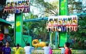 蓮潭公園的遊戲吸引兒童參加。