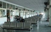 峴港市中心車站候車室乘客寥寥無幾。(圖源:阮強)