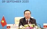 國會副主席馮國顯向與會代表致歡迎詞。(圖源:VGP)