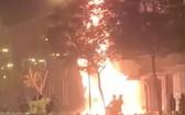 現場火勢十分猛烈。(圖源:視頻截圖)