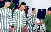 公安部所屬Z30D監獄囚犯接受減刑、釋放《決定》。