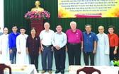 各華人會館及與會代表合影。