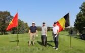 參加比賽的高爾夫球手。