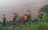 圖為救護隊員們撈獲到男童屍體的河段。(圖源:清嬌)