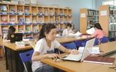大學生在圖書館學習。(圖源:大洋)