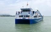 芹耶-頭頓海上渡輪可運載逾250名乘客、100輛摩托車與15輛汽車和卡車,預計每天有24航班。(圖源:杜鸞)
