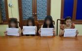 涉淫媒罪嫌犯阮士蘭(右一)及另三名涉賣淫女郎被逮捕。(圖源:警方提供)