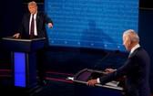 圖為美國總統特朗普與民主黨總統候選人拜登9月29日在克利夫蘭進行第一場辯論。(圖源:路透社)