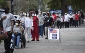 喬治亞州提前投票票站外有長長的人龍。(圖源:AP)