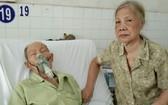 楊達病倒,妻子何麗卿在醫院守候。