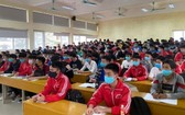 大學生在講堂上聽課。(示意圖源:范玄)