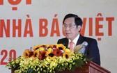 越南新聞工作者協會主席順友在大會上致詞。(圖源:梅鸞)