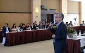 中央流行病衛生院院長鄧德英教授在會議上發言。(圖源:安然)