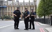 歐洲地區近期發生多起恐襲事件後,英國上調了恐怖威脅等級。(圖源:AP)