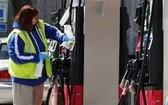 英國將在2030年起禁售汽柴油車。(示意圖源:AP)