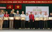 第五郡華人單位及個人榮獲「慈善之花」稱號。