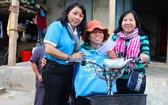 第六郡婦女幫助中部災區同胞