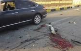 伊朗核子科學家穆赫辛‧法克里薩德在德黑蘭郊外遭遇伏擊,在槍戰中身亡,現場血跡斑斑。(圖源:AP)