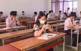 學生課堂上保持社會距離。(圖源:秋莊)