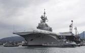 """2017年2月8日,法國""""戴高樂""""號核動力航空母艦停靠在法國南部土倫港。 """"戴高樂""""號開始進入為期18個月的升級大修。(圖源:AFP)"""