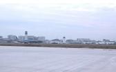 新山一機場的25R/07L跑道修築項目進入了尾段,預計將於本月31日開通。(圖源:TTO視頻截圖)