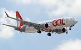 當地時間12月9日,巴西Gol航空公司的一架波音737MAX降落在巴西阿雷格里港的Salgado Filho機場。(圖源:Getty Images)
