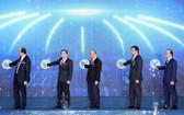 政府總理阮春福(中)出席儀式並發出項目動工令。(圖源:越通社)