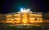 度假區與酒店聖誕氣氛濃。