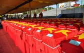 262 名烈士骸骨回歸故里追悼和安葬儀式在河仙市烈士陵園隆重舉行。(圖源:PV)