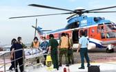 175號軍醫醫院直升機運送急救病人。(圖源:緣潘)