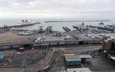 這是12月22日拍攝的關閉的英國多佛港。(圖源:新華社)
