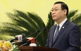河內市委書記王廷惠在會議上發表講話。(圖源:文牒)