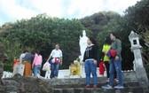 李山島縣多個旅遊景點安裝二維碼。(圖源:阮莊)