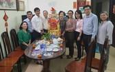市委民運處領導向華人幹部王沛川拜年