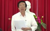 前江省選舉委員會主席阮文名在會議上發表指導意見。(圖源:英俊)