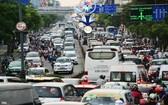 前往新山一機場的各條路線在高峰時段經常出現交通擁堵。(圖源:黎軍)