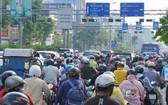 通往新山一機場重要路線之一的共和街經常出現交通擁擠。