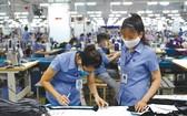 紡織品成衣業加大產量。